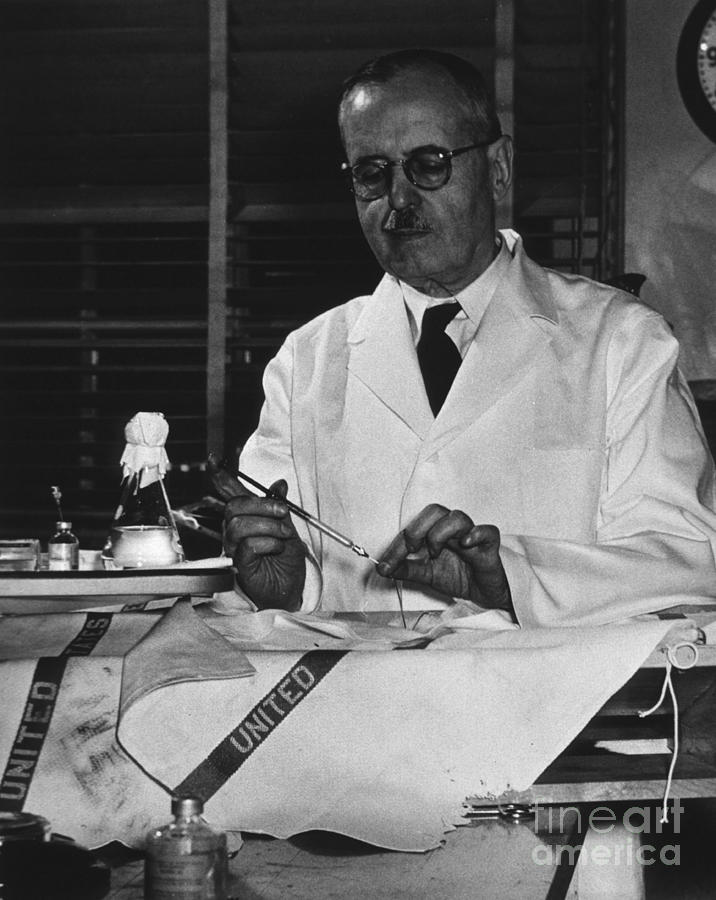 bernardo-houssay-argentine-physiologist-science-source