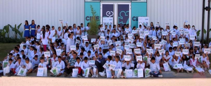 Cada alumno recibió su ejemplar de Energía y vos.