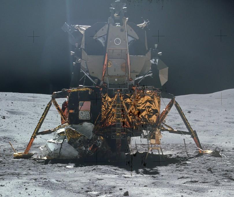 Apollo_16_LM