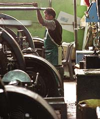 BUENOS AIRES 2003 METALURGICA DE ALUMINIO (IMPA).COOPERATIVA MANEJADA POR LOS OBREROS.    FOTO;ADRIAN PEREZ